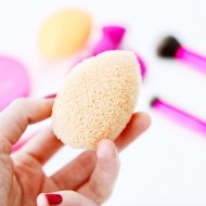 Спонж для очищения кожи лица Real Techniques Miracle Cleansing Sponge: фото