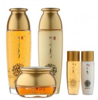 Набор с золотом и экстрактом красного женьшеня тонер, эмульсия, крем Yezihu gold skin care set BERGAMO: фото